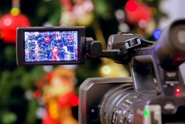 campanha de natal video marketing 1a dumela 600x403 - Campanha de Natal: como posicionar sua marca para ações de marketing?