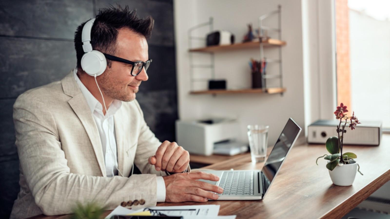 Cursos online: veja as vantagens de investir nesse mercado
